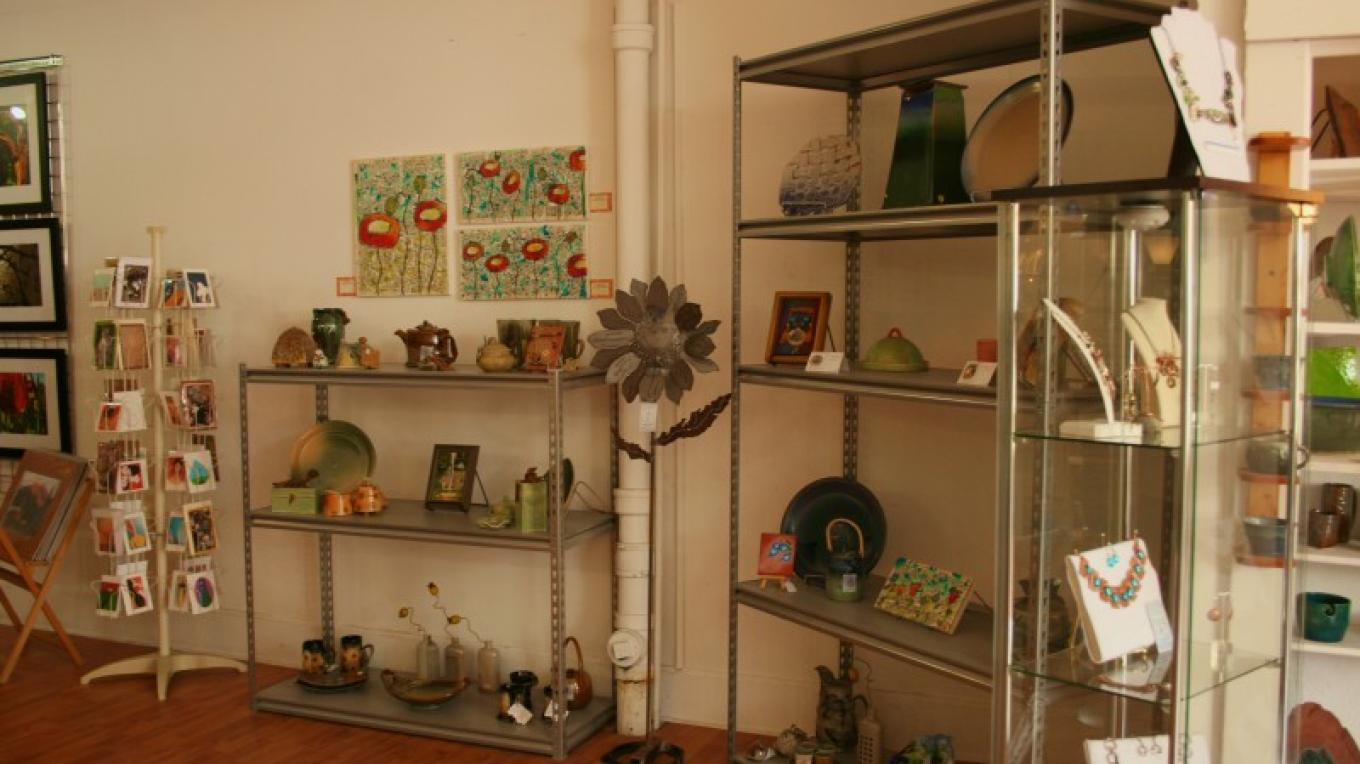Interior of Feat of Clay Artists' Co-op – Jessica Polatty