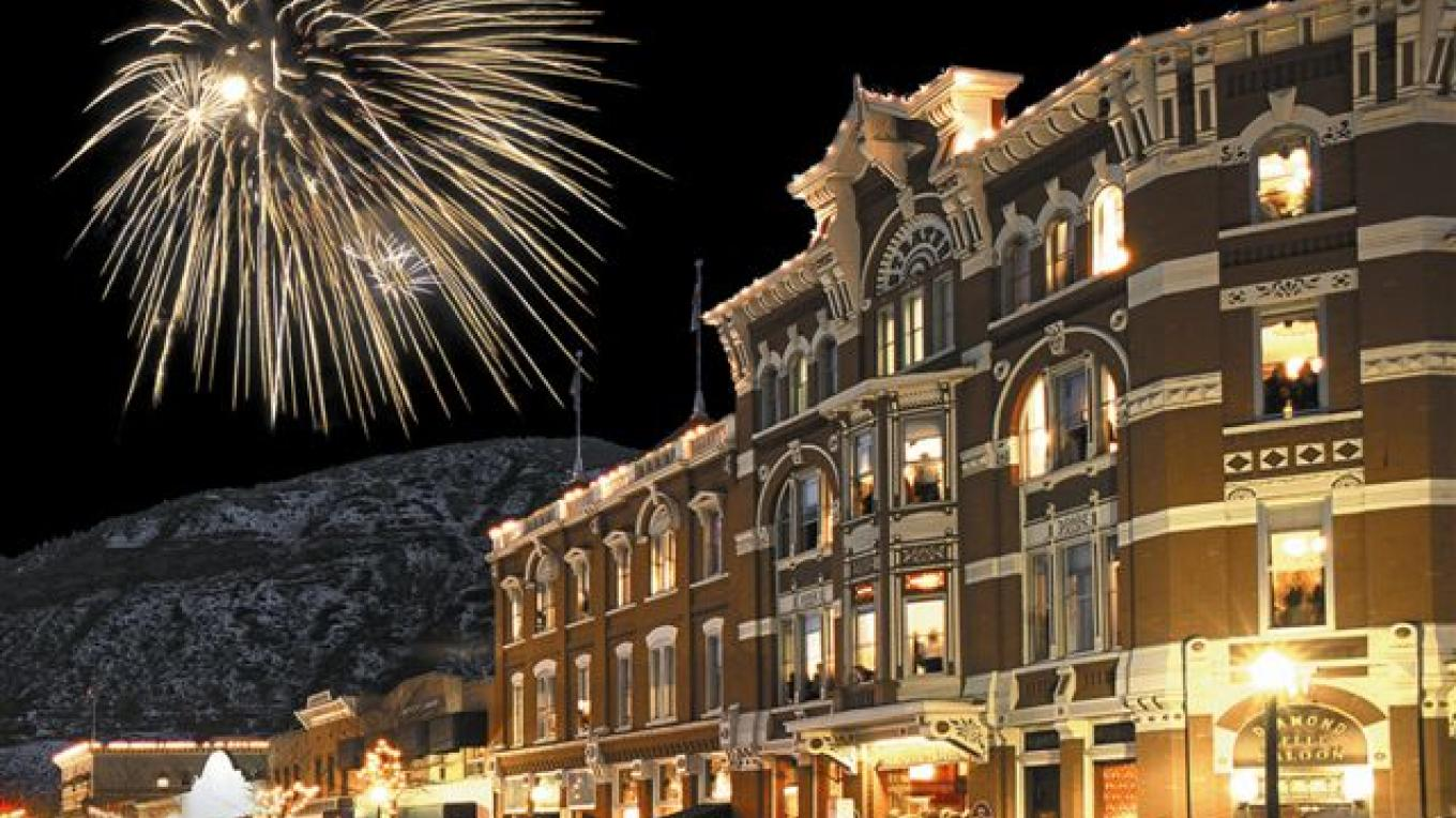 Snowdown festivities in January outside the Strater Hotel. – Photogenesis Photography