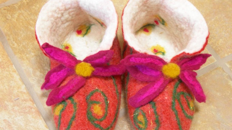 Fun felted slippers – Nina Silfverberg