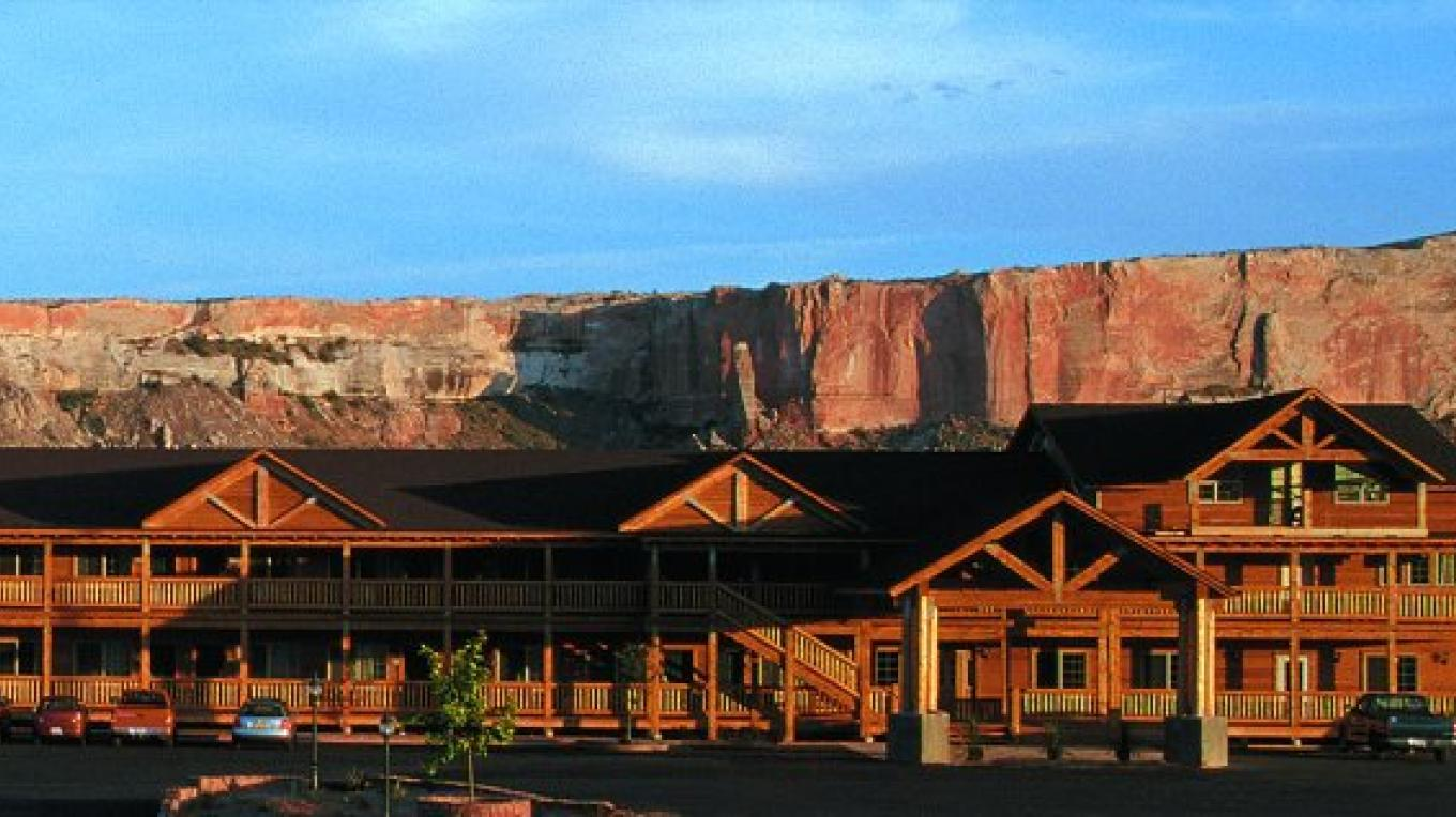 Desert Rose Inn & Cabins