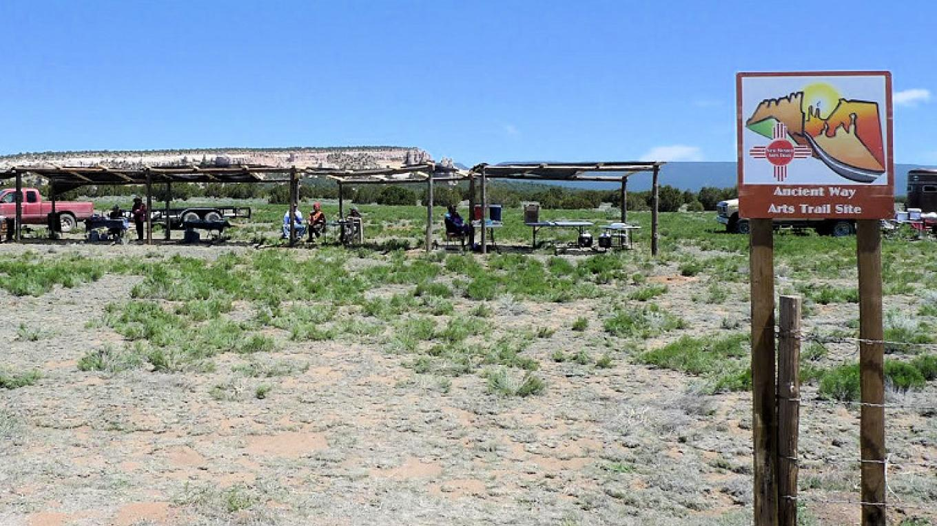 Navajo Craftsmen (and Craftswomen) selling their art along Highway 53 in El Morro Valley, NM – Mallery