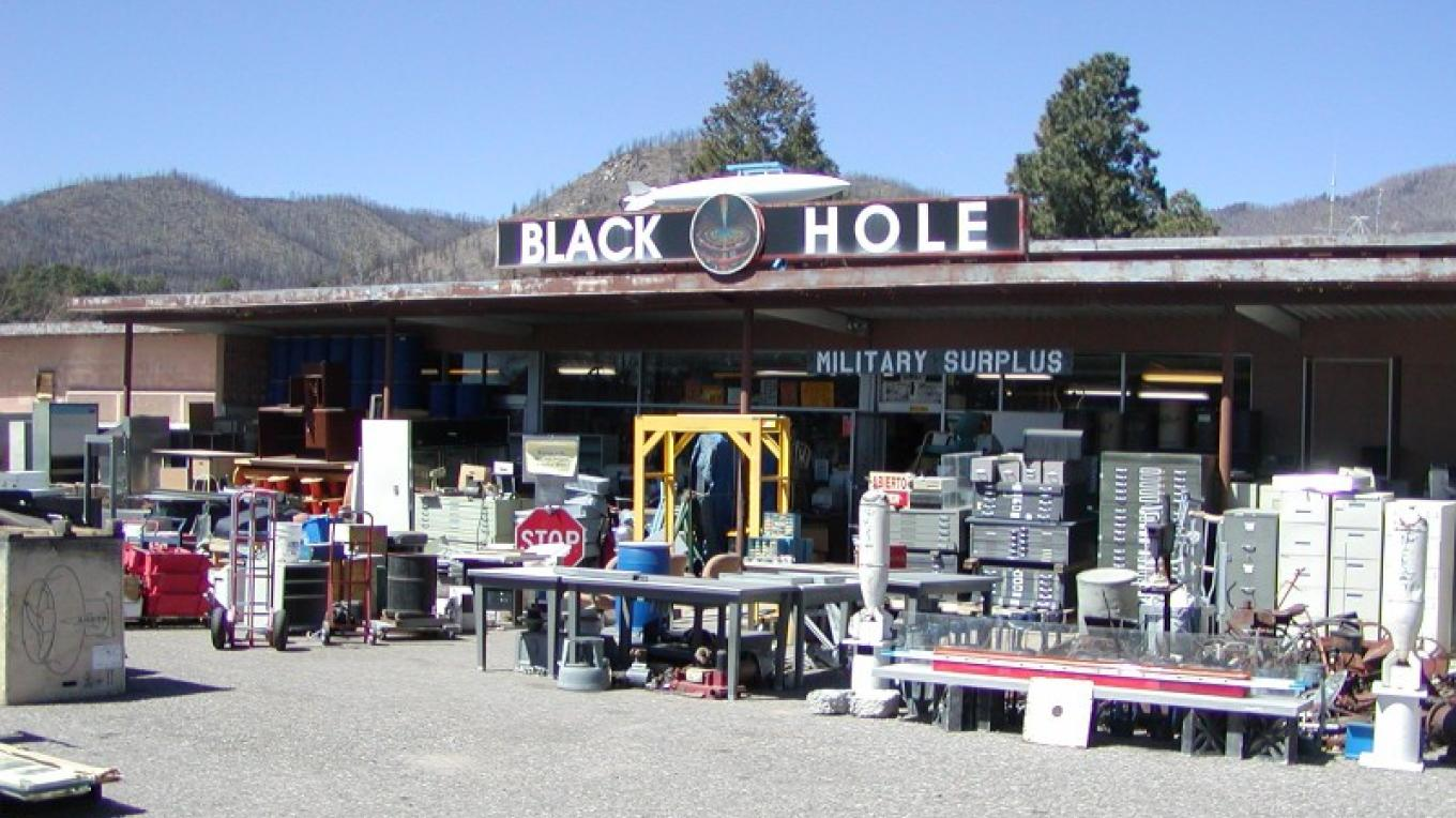 Storefront at The Black Hole – Mike Grothus
