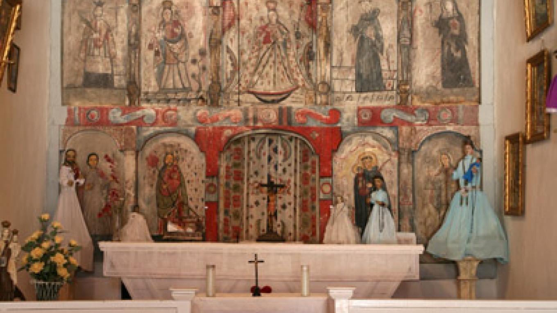 Main altar view. – Richard L. Rieckenberg