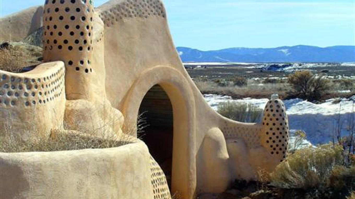 Taos Earthship Visitor's Center – R. Preston