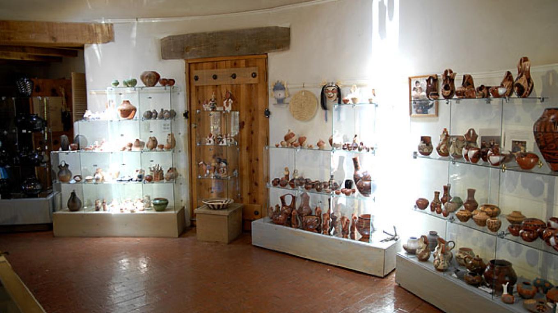 pottery display – Rod Moen