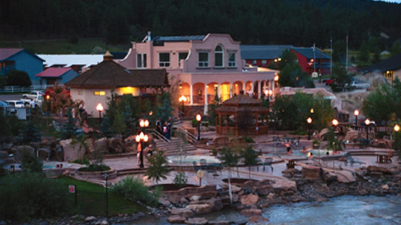 Evening views at The Springs Resort and Spa nestled along the banks of the San Juan River. – The Springs Resort