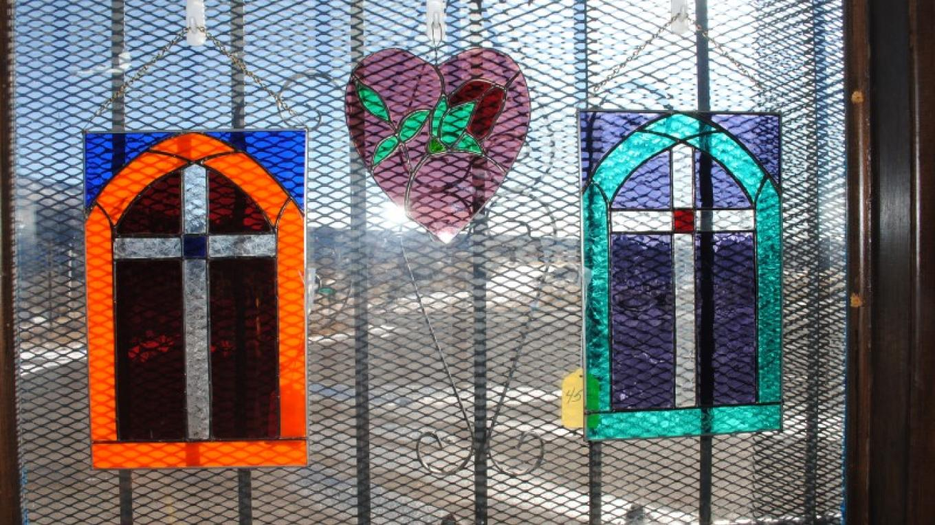 Stained-glass pieces – Jolt