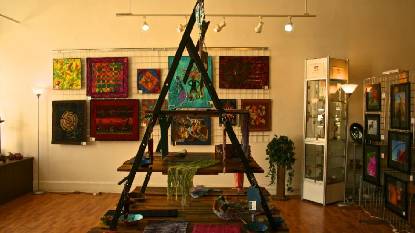 Featured Artist Space at Feat of Clay Artists' Co-op – Jessica Polatty