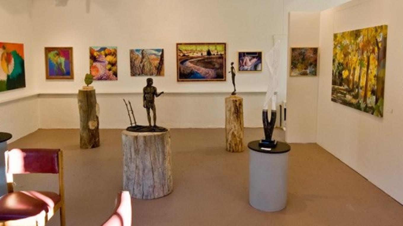 Jemez Fine Art Gallery painting, sculpture, and photography by local artists. – Theodore Greer