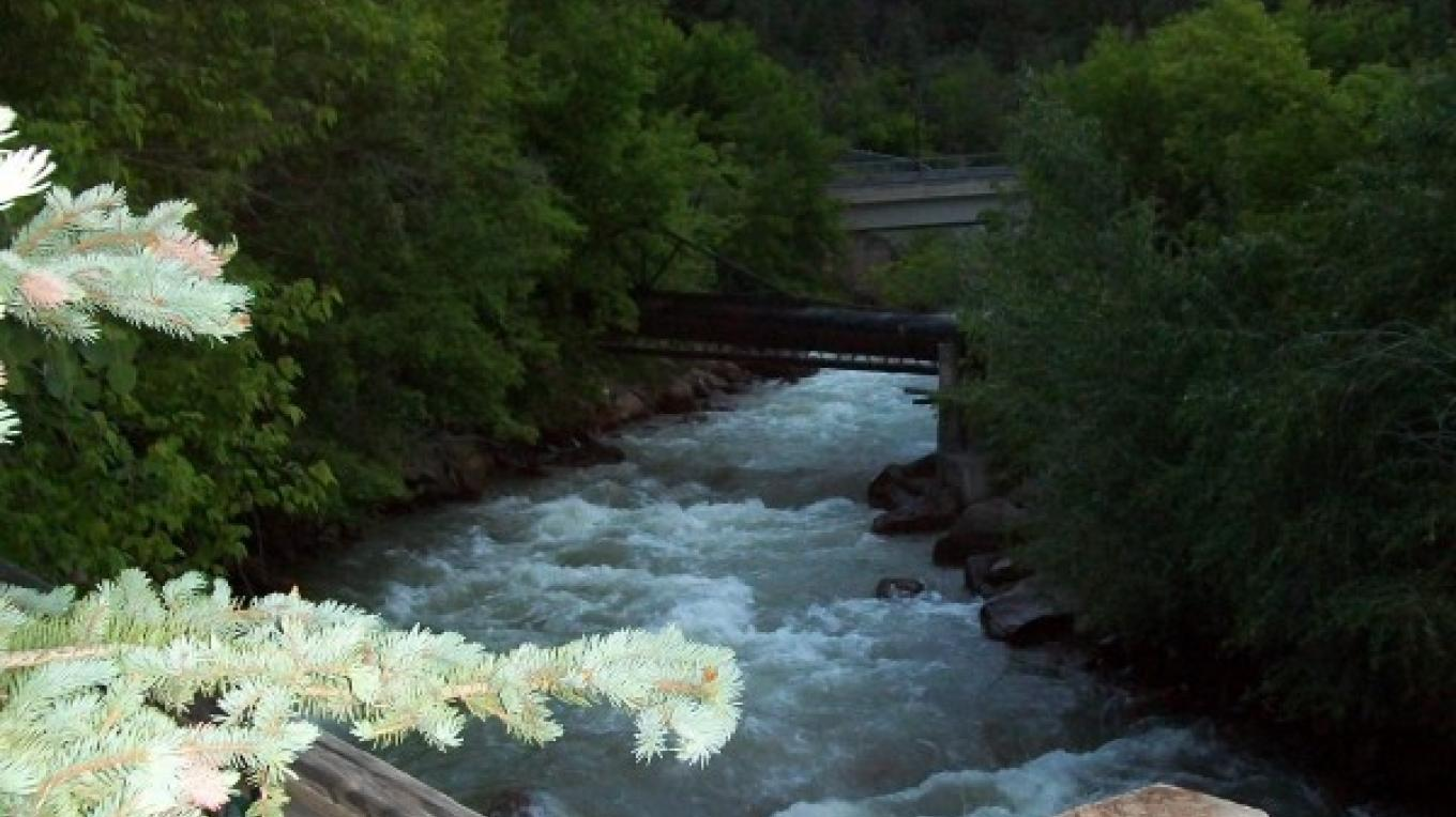 Uncompahgre River behind hotel – Ouray Victorian Inn