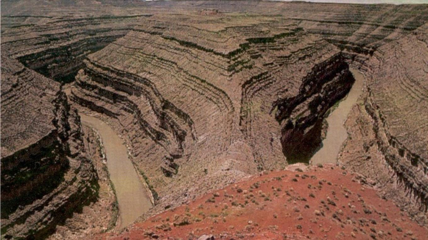 One of the meanders on the San Juan River below Goosenecks State Park. – Larry Wells