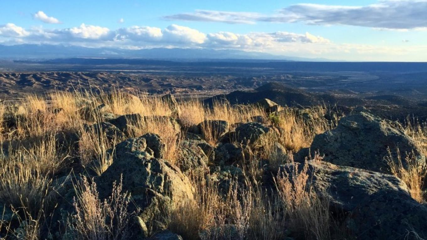 The top of the South Ridge, looking east to the Sangre de Cristo Mountains. – H. Atterbury