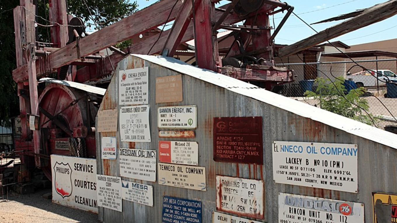 Historic drilling rig and well location signs – Dale W Anderson