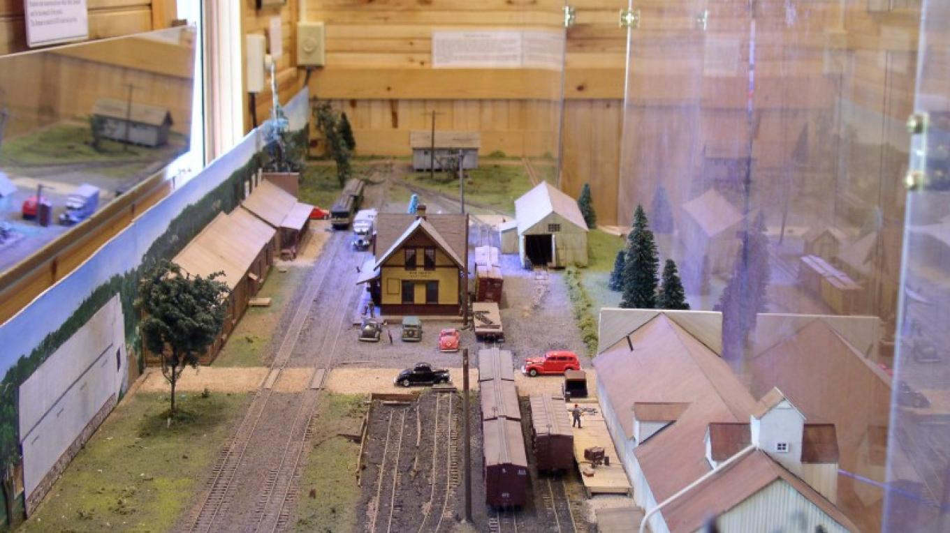 A museum diorama of the Dolores Colorado railroad yards as they appeared in 1946. – Larry Spencer