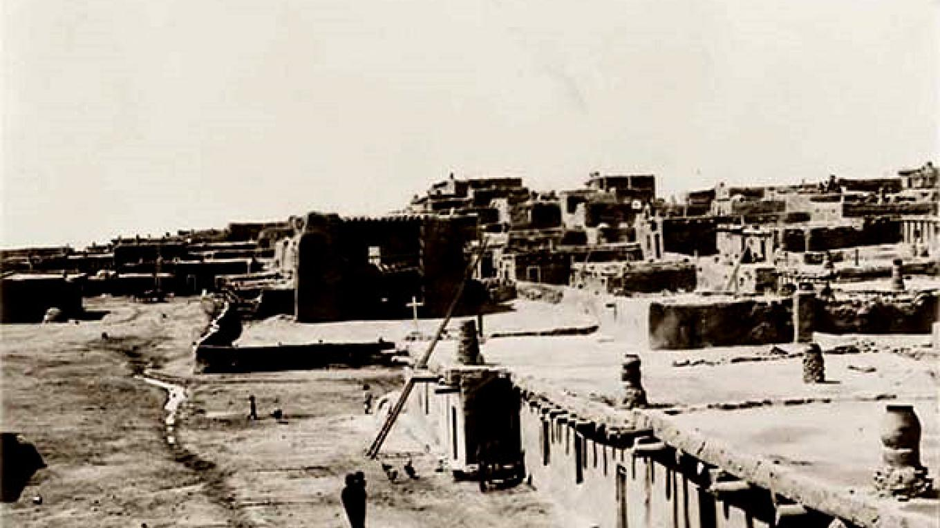 The Zuni Pueblo and Old Spanish Mission as it appeared in 1927. – Edward S. Curtis