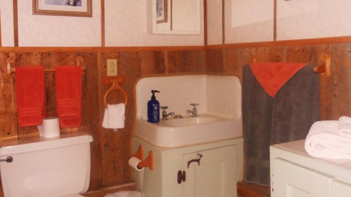 "Bathroom in the  ""La Casita Bonita"" – KimAnna Cellura-Shields"