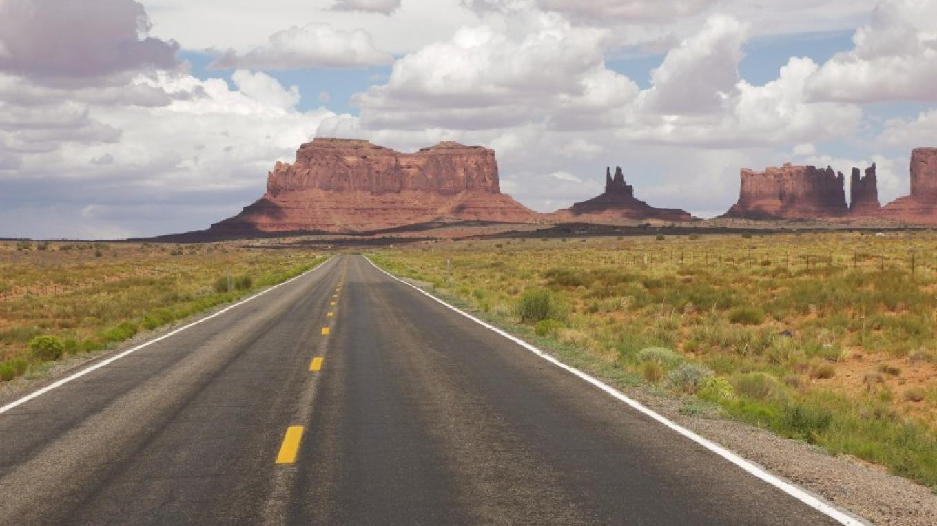Kayenta-Monument Valley Scenic Road – Lindsay Middleton