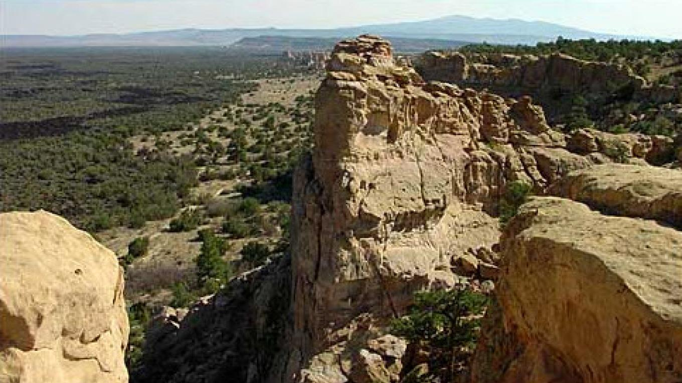 Sandstone Bluff Overlook, looking out over the vast lava fields  below – blm.gov