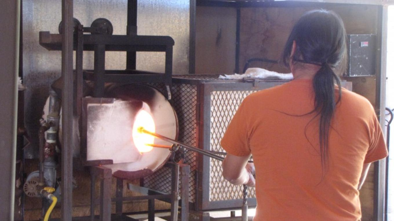 Hopi Glass Blower demonstration – Sandy Feutz