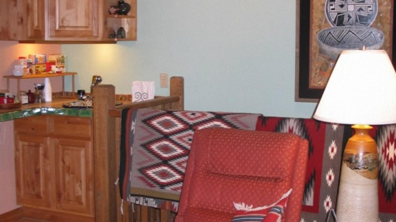 Main Lodge living room and coffee corner – Bob Scott