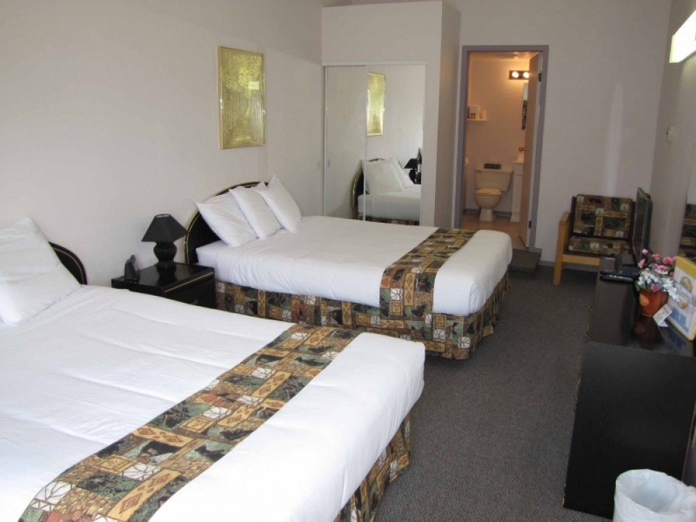 Room 1 – Stephanie