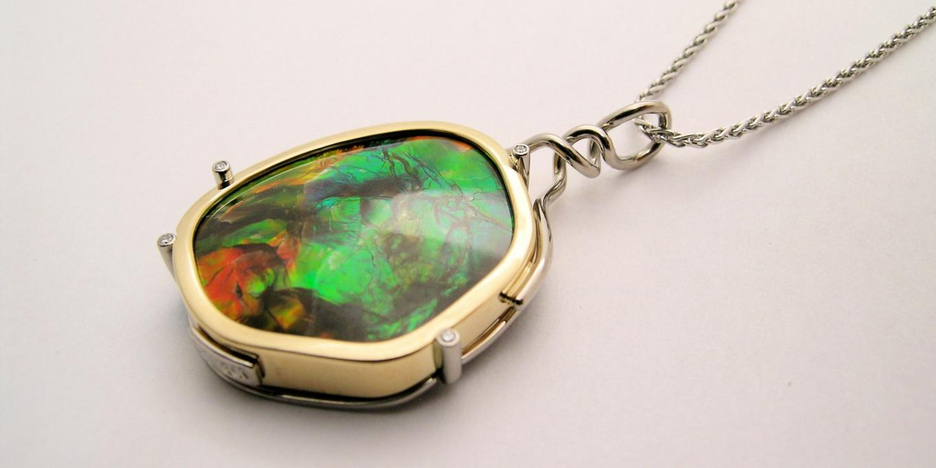 We always have a breathtaking collection of the best of Alberta's Ammolite jewelry in stock. – Come in and see the beauty of natural unadulterated Ammolite gems