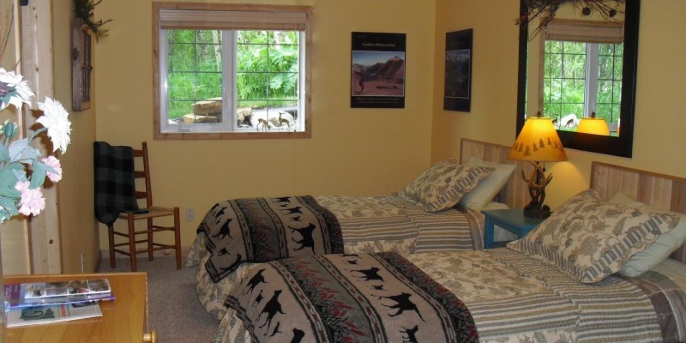 Mountain Forest: Twin room with en suite bath – Janet Casey