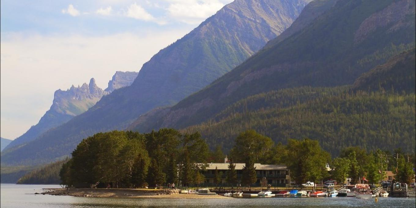 Bayshore Inn has an amazing location! The only Lakefront hotel in Waterton!