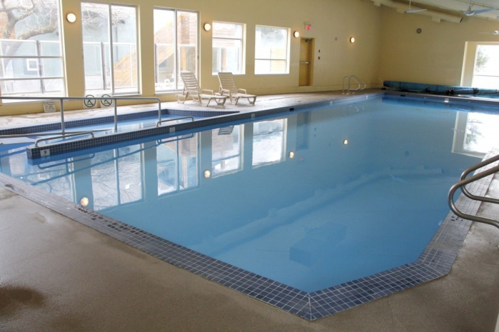 18m swimming pool