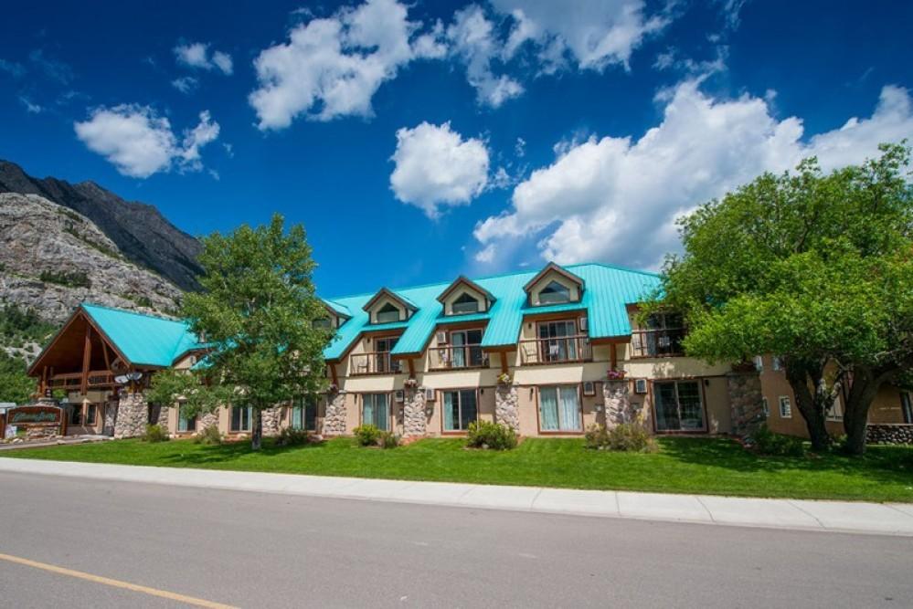 Waterton Glacier Suites!