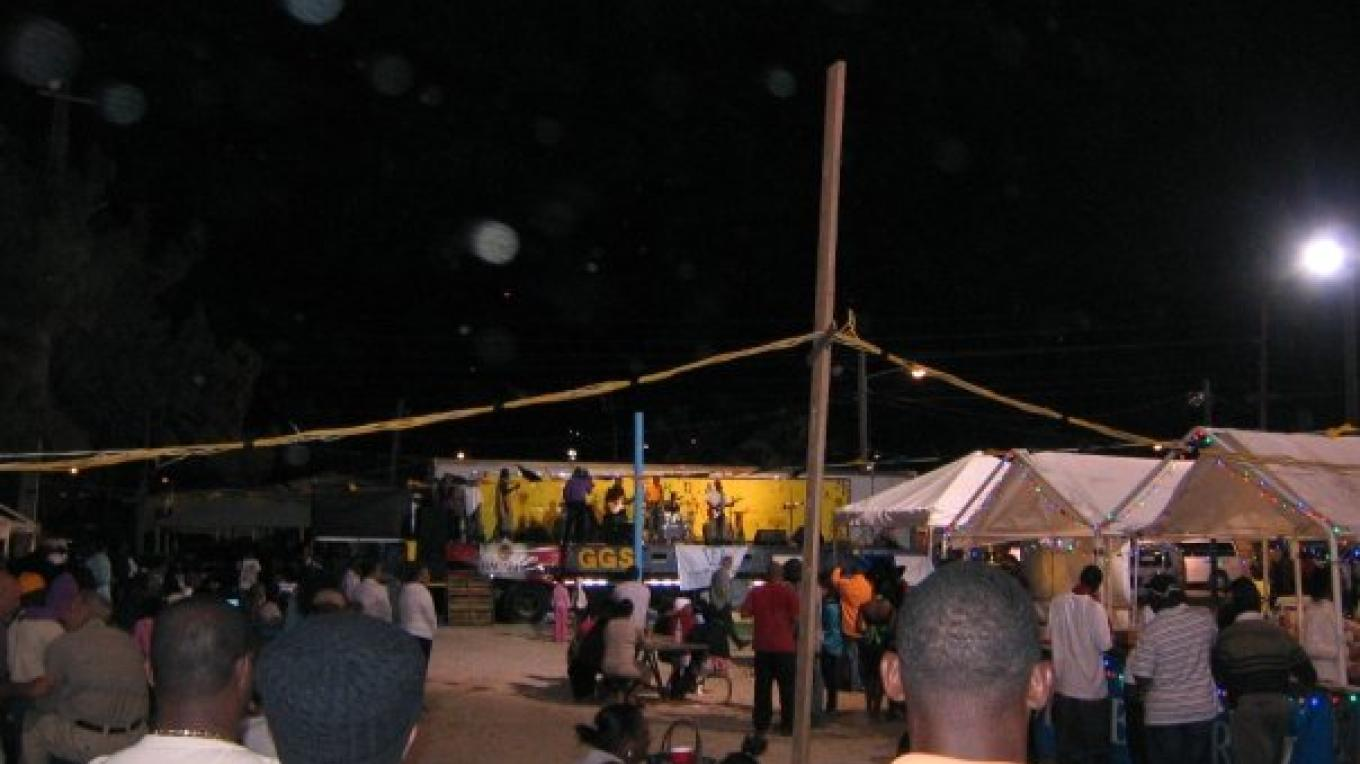 A night out at Harbour Time Fest – Derek Timmons
