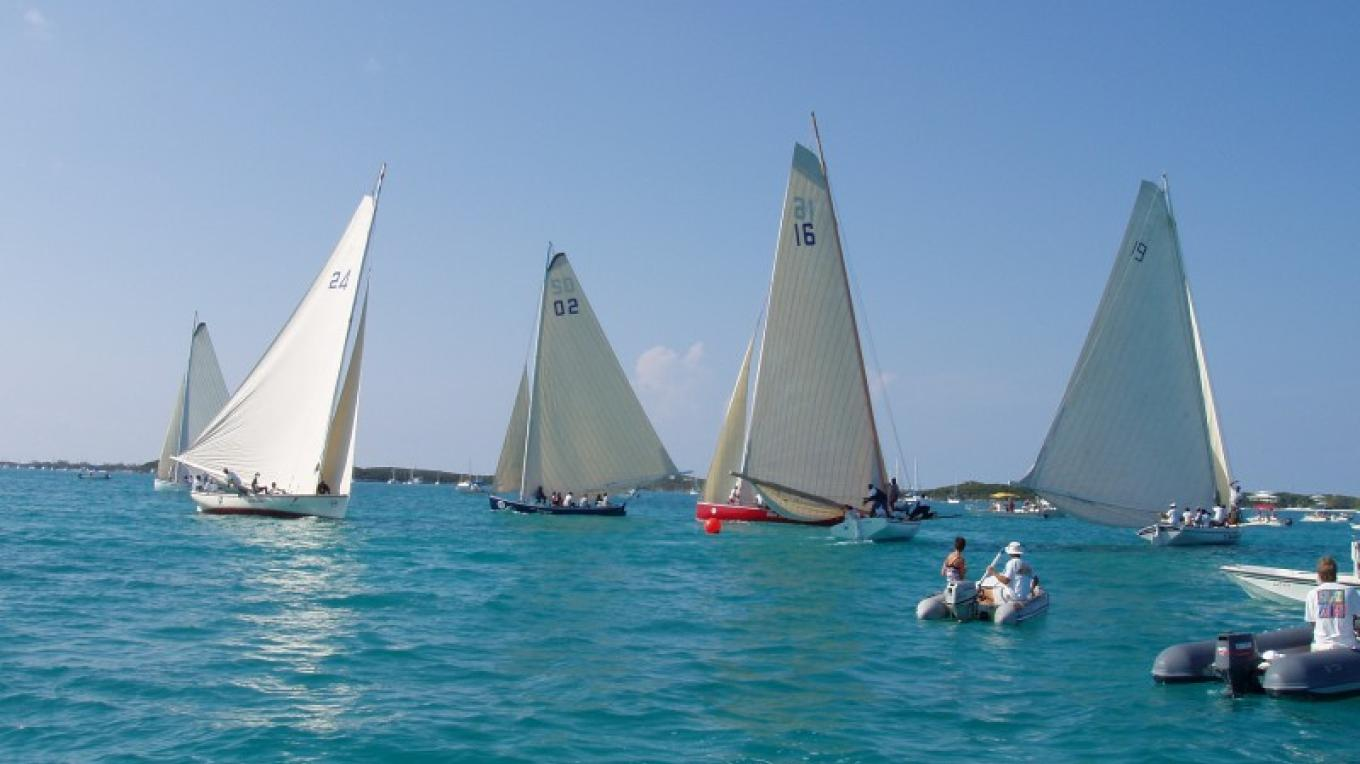 Sloop sailing in The Exumas – Exuma Tourist Office