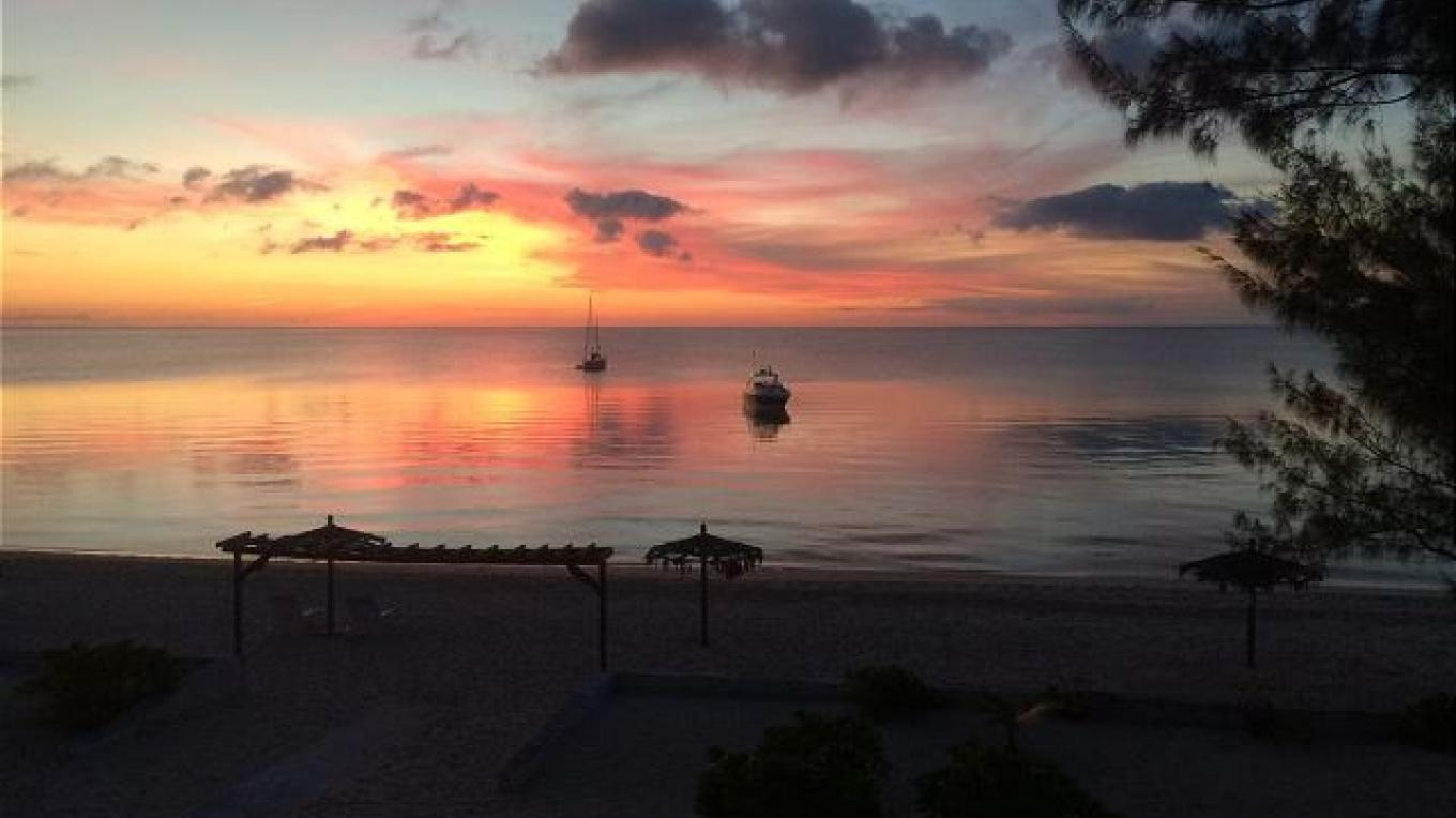 Sunset view from Cocodimama – Eleuthera Vacation Rentals