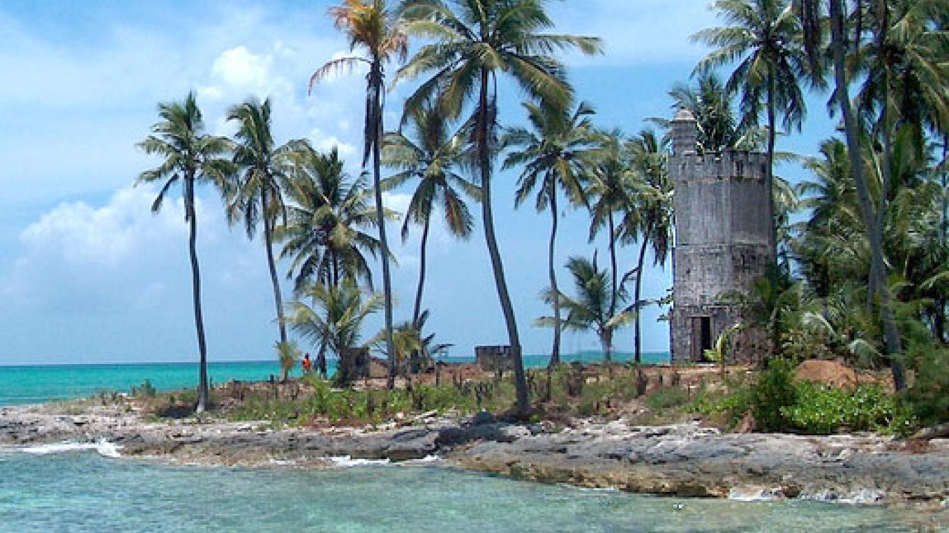 Front view of Andros Lighthouse – Bahamas Out Island Promotion Board