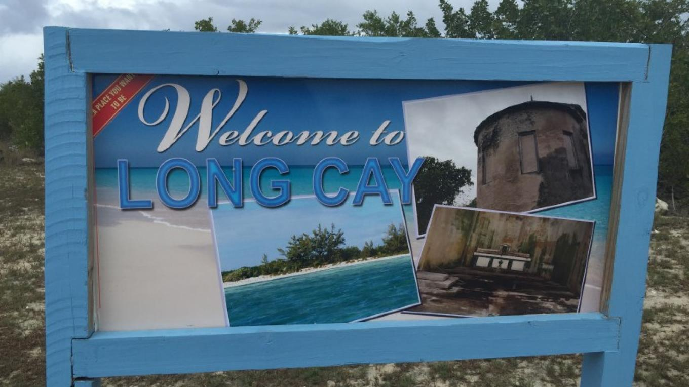 Sign at entrance to Long Cay. – undefined