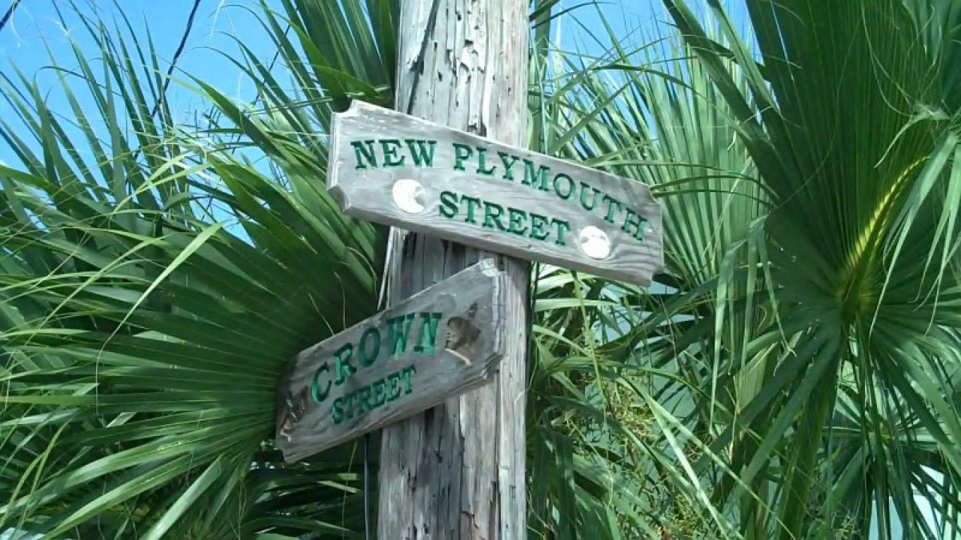 Street signs in New Plymouth Village – Bahamas Ministry of Tourism