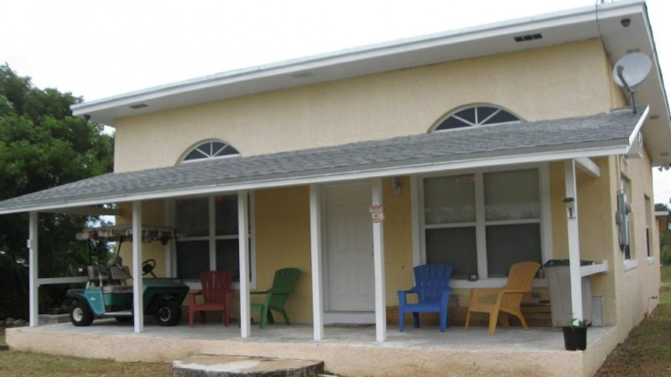 Photo of Cabana's exterior. – Rolle's Place Cabanas