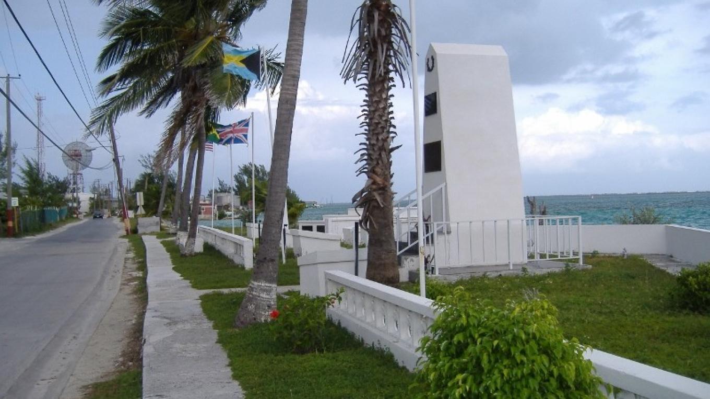 Bimini Memorial and Heroes Park – Bimini Tourist Office