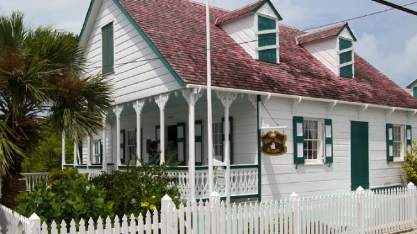 Exterior of Albert Lowe Museum – Bahamas Ministry of Tourism
