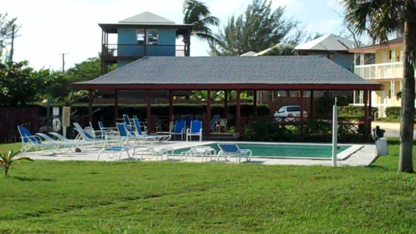 Pool Area – Bahamas Ministry of Tourism