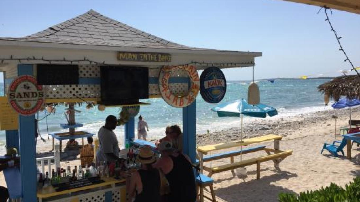 The bar and other seating on the beach – tripadvisor