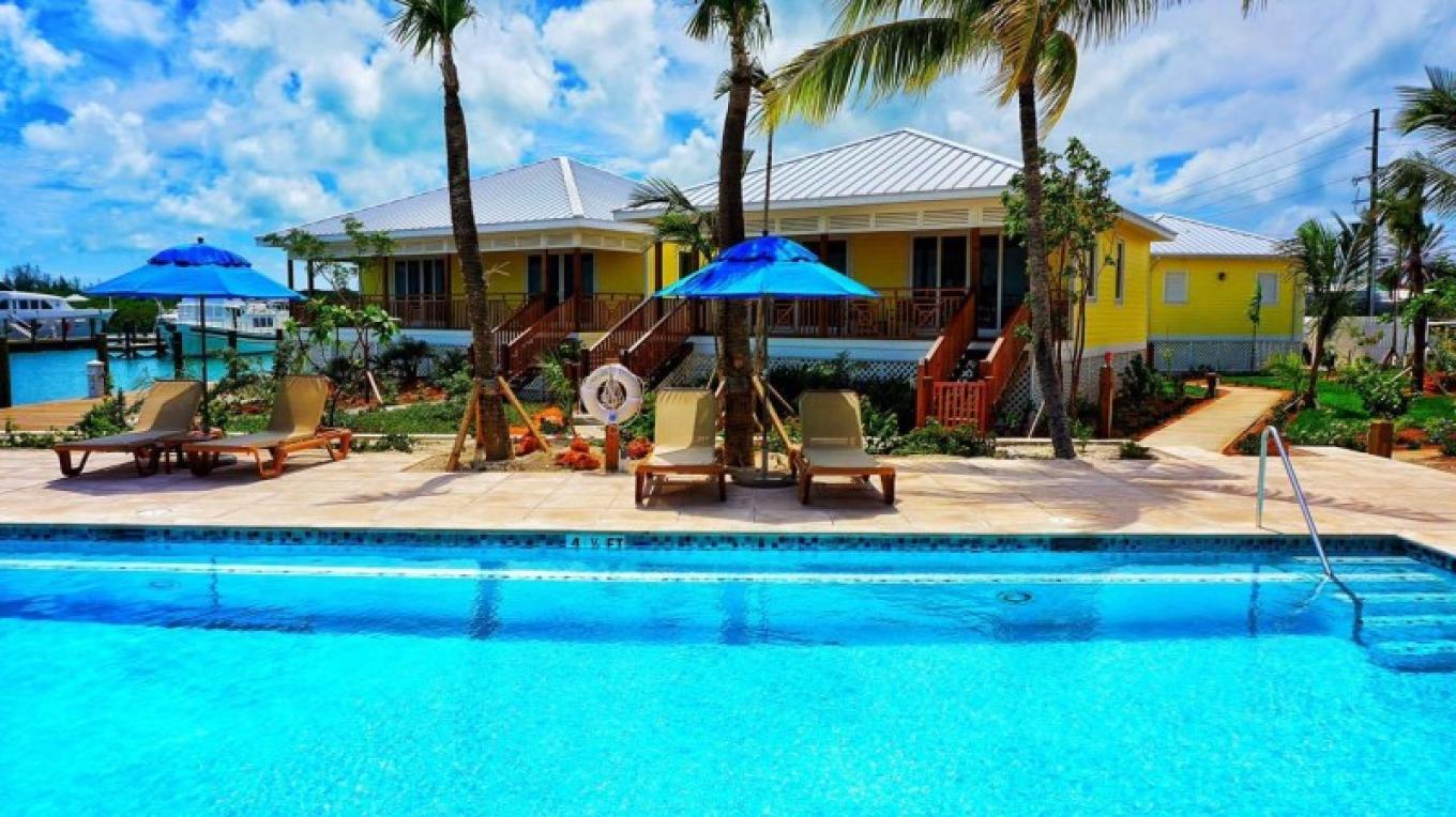 view of the guests rooms from the pool – Bahamasbonefishing