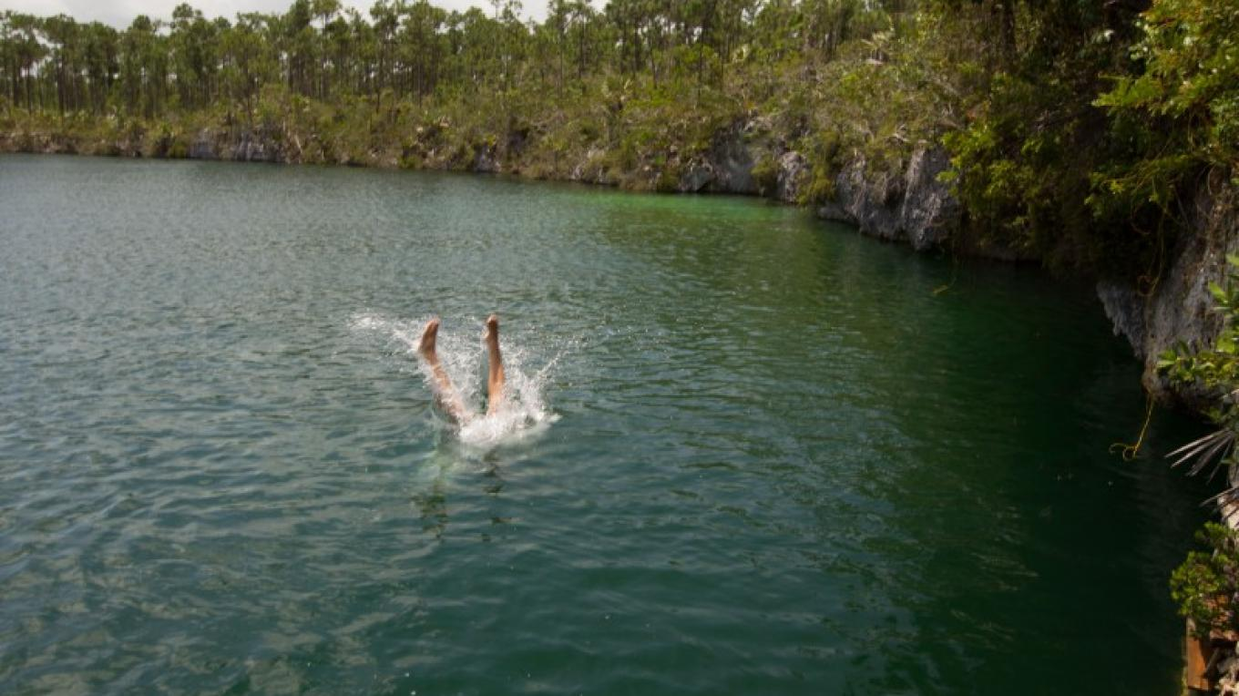 Diving into Uncle Charlie's Blue Hole – Bahamas Ministry of Tourism