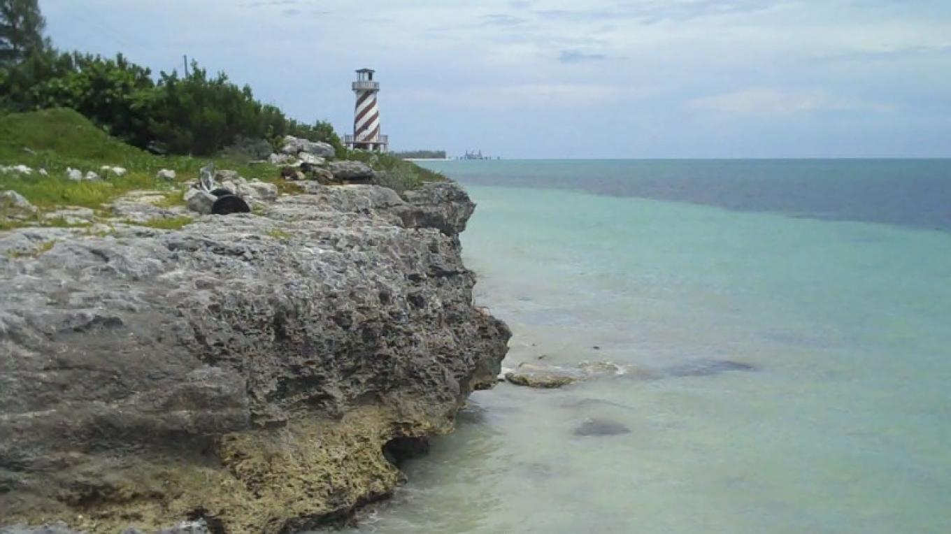 The high rocky bluff in the town of High Rock. – Bahamas Ministry of Tourism