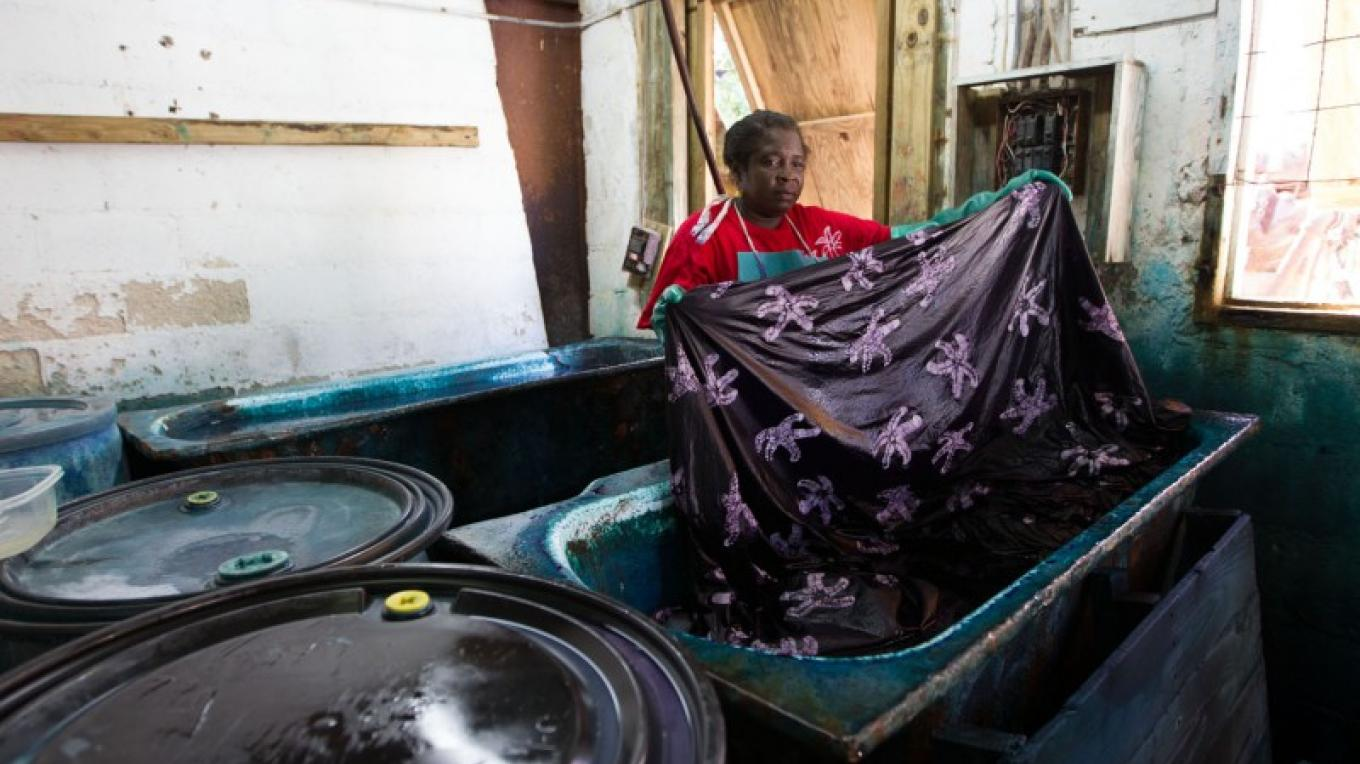 Fabric dying process – Bahamas Ministry of Tourism