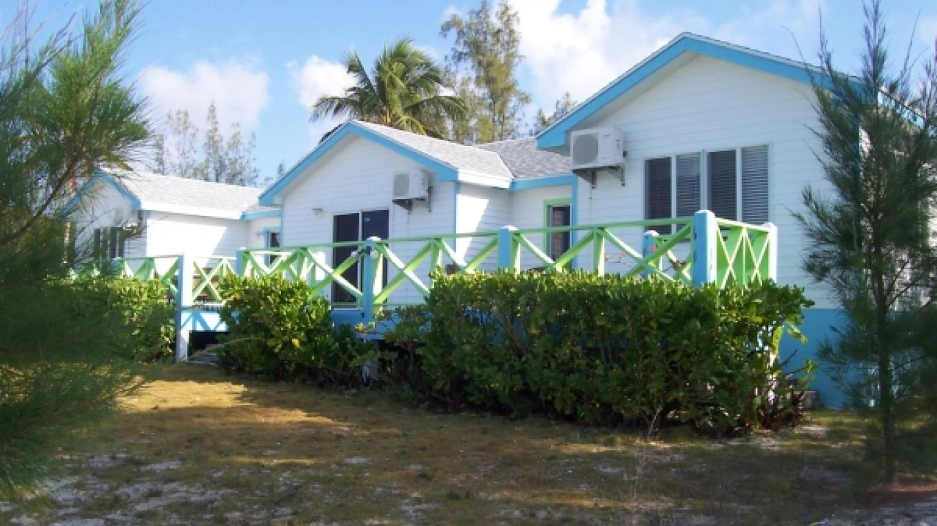 Outside view of Thompson Seaside Villas – tripadvisor