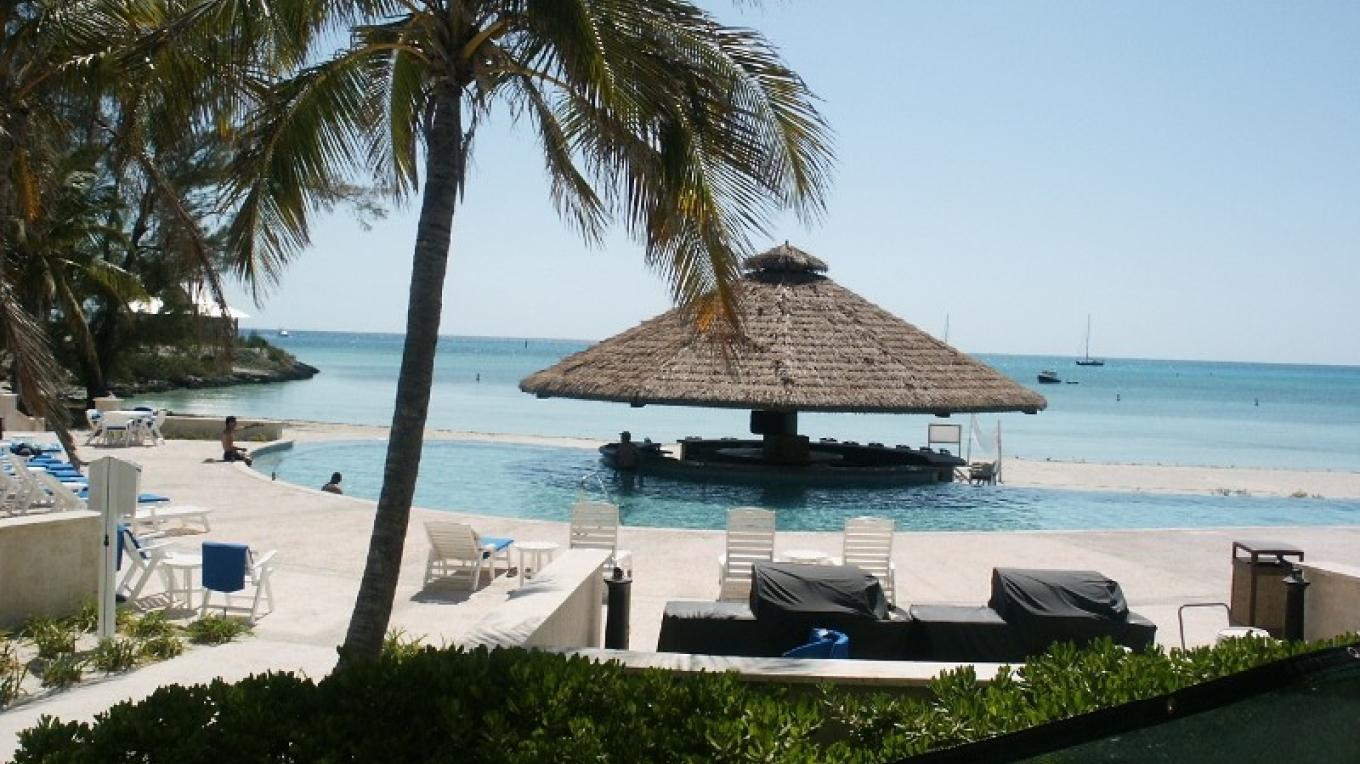 The Beach and Pool at Chub Cay Club – Chub Cay Club