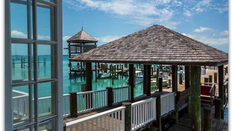 Boat House Restaurant – Valentine's Resort