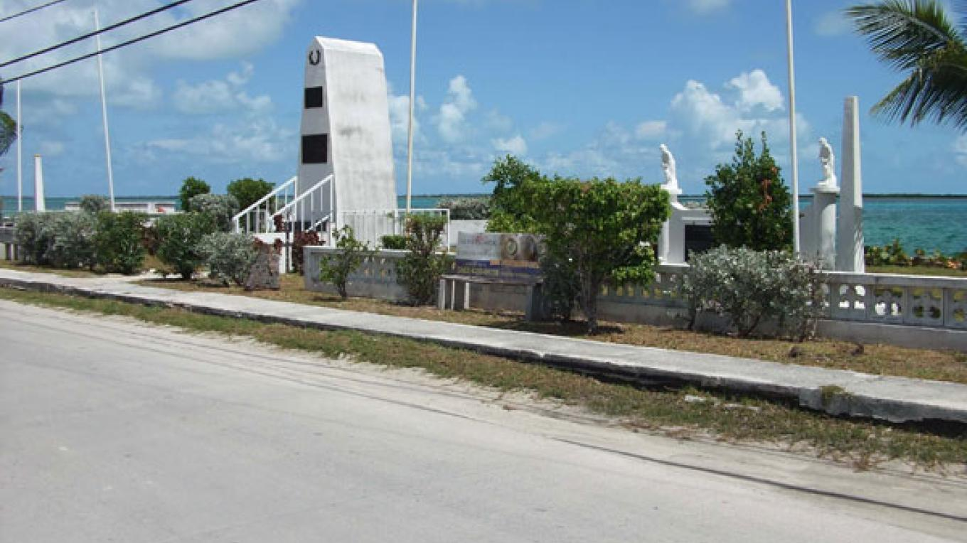 Bimini Memorial and Heroes Park – Bimini Big Game Club Resort and Marina