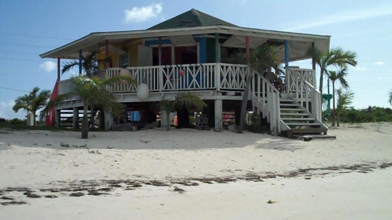 Beach view of Mel's on Da Bay Restaurant, Pirate's Well, Mayaguana, The Bahamas – Bahamas Ministry of Tourism